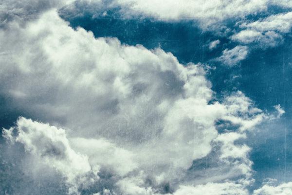 Etre dans les nuages